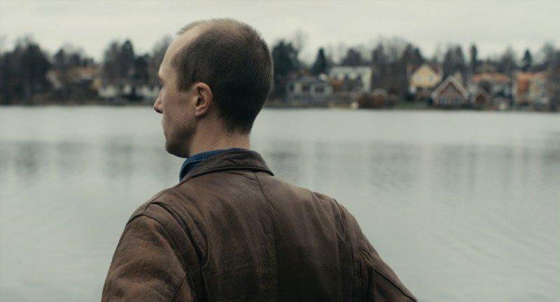 Apan - Olle Sarri in una scena del film